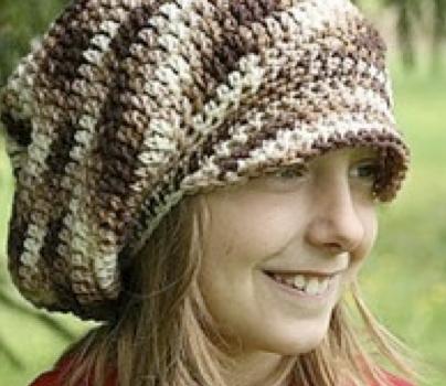 El Gran Gorro Marrón – Patrón Crochet