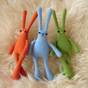 Patron del conejo espacial a crochet