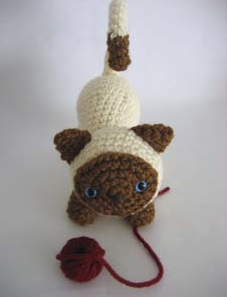 SUBTITULOS ESPANOL ENGLISH Cat in the Cup Crochet - Gato Taza ... | 297x227