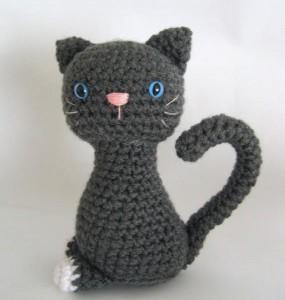 Gatito Amigurumi Gris – Patrón de crochet